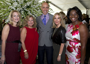From left: Stacey Rosen, MD, VP of Clinical Services for the Katz Institute for Women's Health; Ruth Slade, co-chair of Partners Council for Women's Health; Robert Verdi, master of ceremonies; Dayle Katz, co-chair of Partners Council; and Jennifer Mieres,